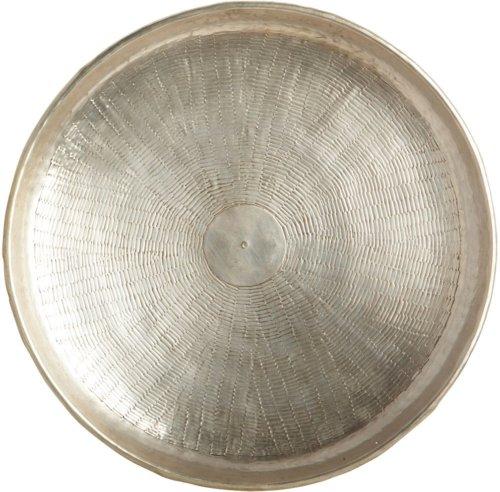 På billedet ser du variationen Carve, Bakke fra brandet House Doctor i en størrelse D: 38 cm. x H: 1,5 cm. i farven Sølv