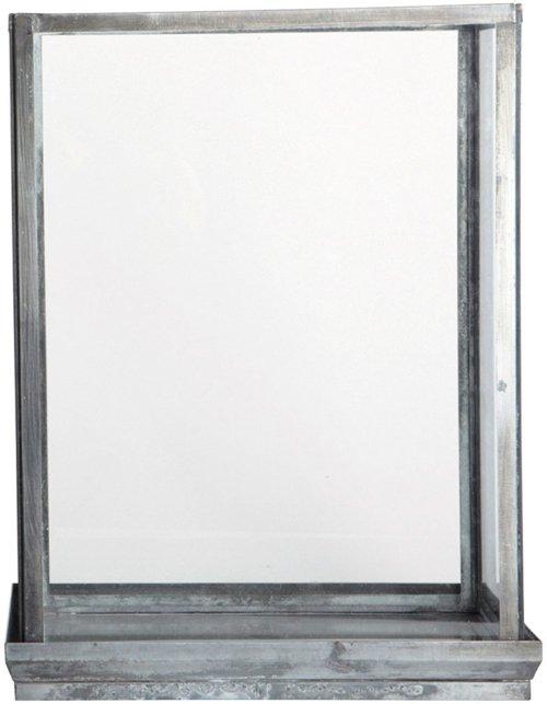 På billedet ser du variationen fra brandet House Doctor i en størrelse 28 x 17 cm. x H: 38 cm. i farven Klar/Jern
