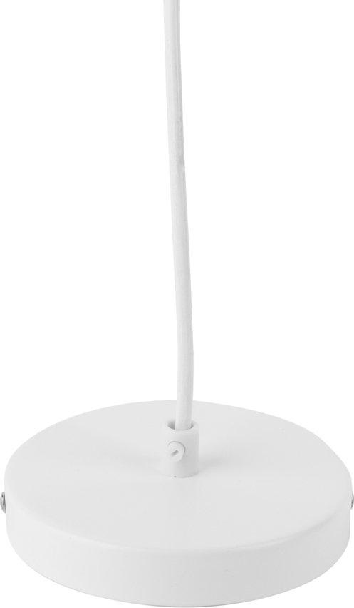 På billedet ser du et stemningsbillede (#1) fra Hængelamper, Studio fra brandet Present Time i en størrelse D: 15 cm. H: 18 cm. i farven Mat Hvid