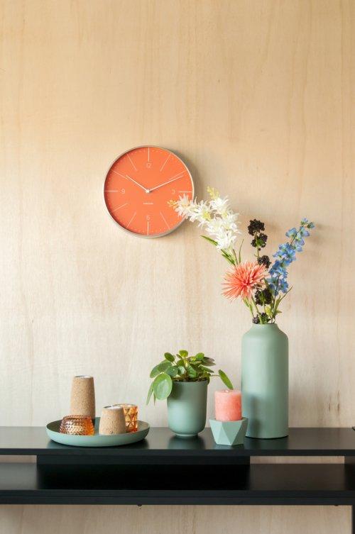 På billedet ser du et stemningsbillede (#5) fra Fyrfadsstage, Set cone fra brandet Present Time i en størrelse D. 7cm, H. 9cm, 12cm & 15cm i farven Kork|Blå