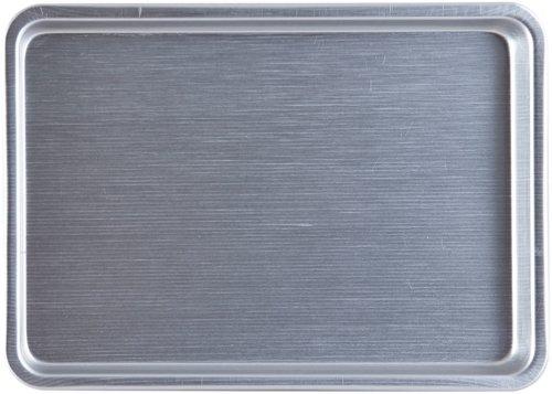 På billedet ser du variationen Cantina, Bakke fra brandet House Doctor i en størrelse 2,7 cm. x 28,2 cm. x 38,8 cm. i farven Aluminium
