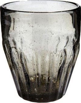 På billedet ser du variationen Drikkeglas/riller, Candida fra brandet Hübsch i en størrelse Ø: 9 cm. H: 10 cm. i farven Grå