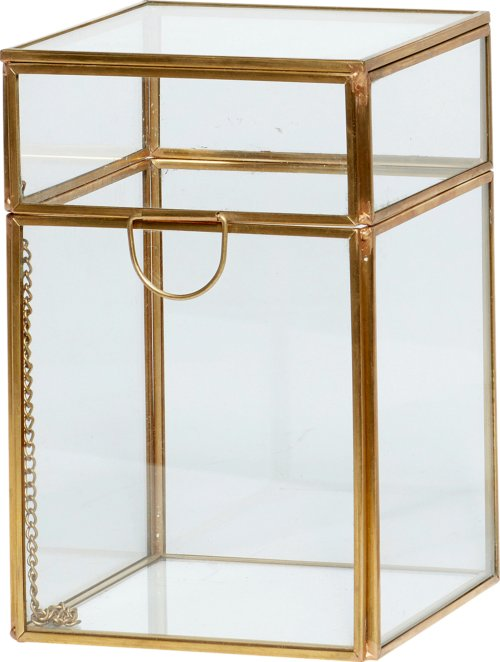 På billedet ser du variationen Glasboks, Signy fra brandet Hübsch i en størrelse H: 18 cm. B: 12 cm. L: 12 cm. i farven Messing/Klar