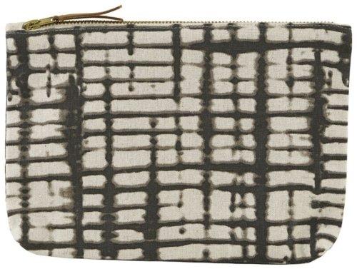 På billedet ser du variationen Kosmetikpung, Batik fra brandet House Doctor i en størrelse 23 x 16 cm. i farven Hvid/Brun