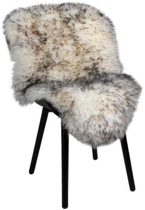 På billedet ser du variationen Lammeskind, Lux New Zealand fra brandet Preform i en størrelse B: 65 cm. L: 103 cm. i farven Hvid/Sort