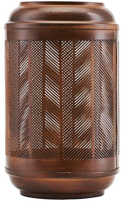 På billedet ser du variationen Eputy, Lanterne fra brandet House Doctor i en størrelse D: 15 cm. x H: 27 cm. i farven Brændt henna