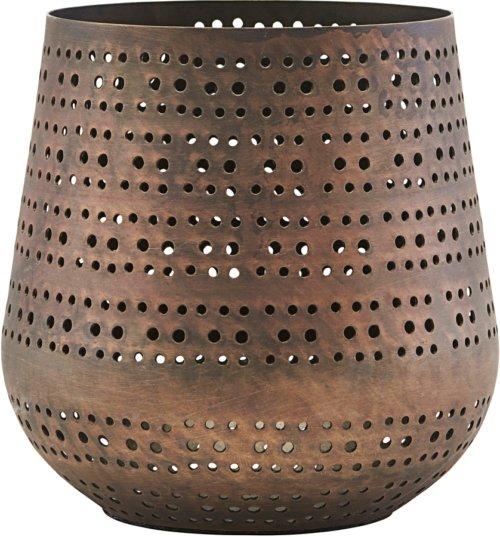 På billedet ser du variationen Lysestage, Perfo fra brandet House Doctor i en størrelse D: 12 cm. H: 13 cm. i farven Kobber