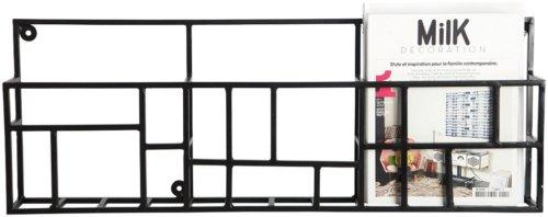På billedet ser du variationen Rack, Magasinholder fra brandet House Doctor i en størrelse 70 x 5 cm. x H: 30 cm. i farven Sort