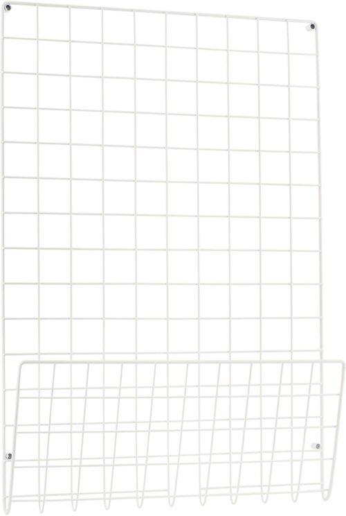 På billedet ser du variationen Opslagstavle, Mesh fra brandet House Doctor i en størrelse 50 x 6 cm. x H: 72,5 cm. i farven Hvid