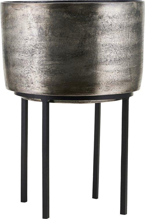 På billedet ser du variationen Potte, Kazi, Sølv oxideret fra brandet House Doctor i en størrelse D: 28,5 cm. H: 42 cm. i farven Sølv