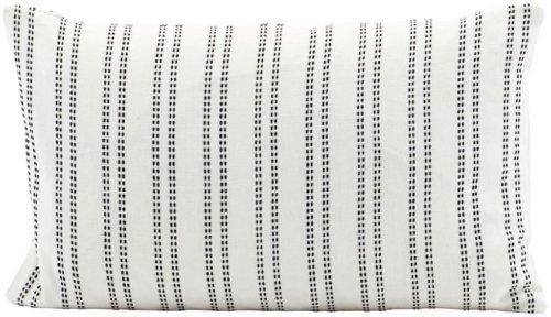 På billedet ser du variationen Additional, Pudebetræk fra brandet House Doctor i en størrelse 30 x 50 cm. i farven Hvid/Sort