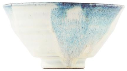 På billedet ser du variationen Mio, Skål fra brandet House Doctor i en størrelse D: 14 cm. x H: 7 cm. i farven Hvid/Blå