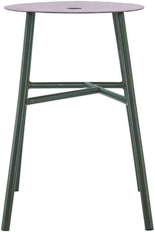 På billedet ser du Skammel, K-stool fra brandet House Doctor i en størrelse 35 x 35 cm. x H: 48 cm. i farven Grøn