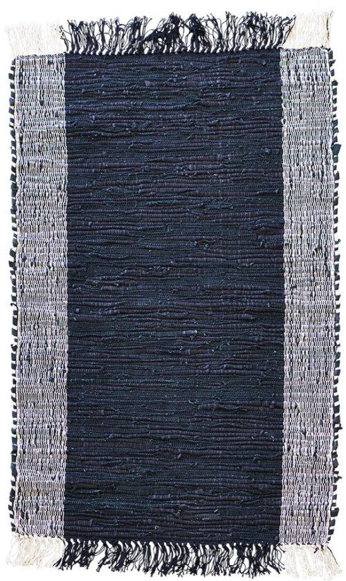 På billedet ser du Tæppe, Cindi fra brandet House Doctor i en størrelse 60 x 90 cm. i farven Sort/Natural