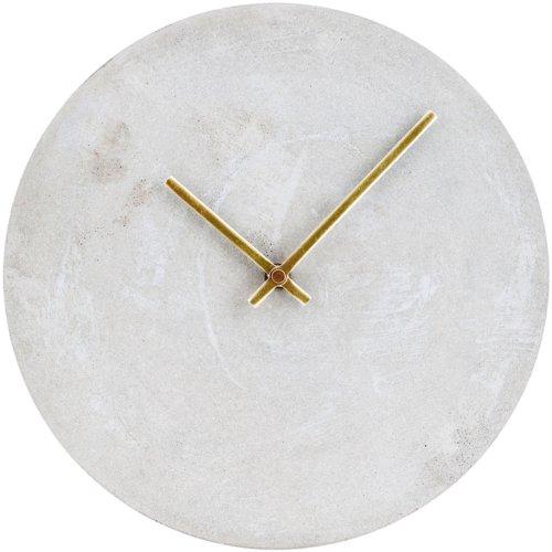 På billedet ser du variationen Watch, Vægur fra brandet House Doctor i en størrelse D: 28 cm. x H: 3,5 cm. i farven Beton