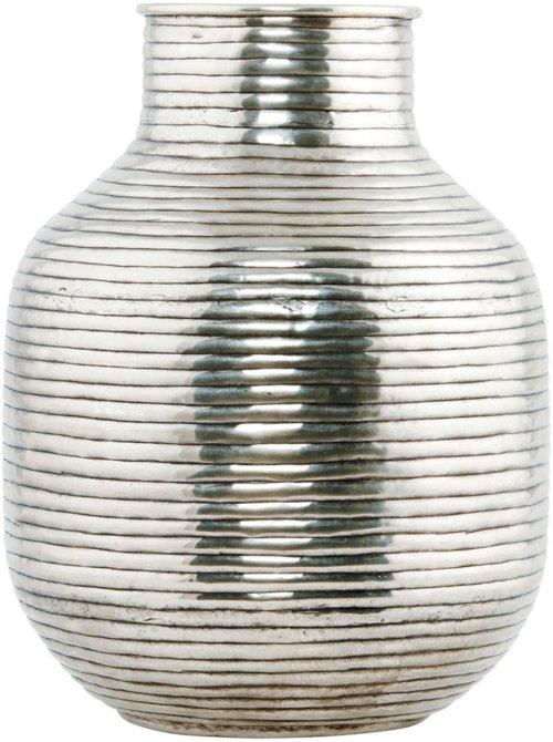 På billedet ser du variationen Vertical, Vase fra brandet House Doctor i en størrelse D: 24 cm. x H: 31,5 cm. i farven Sølv