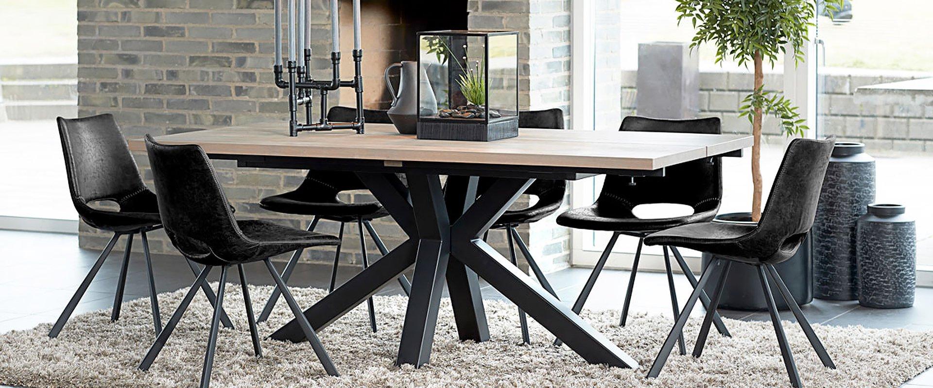 1. klasse spiseborde fra Canett Furniture
