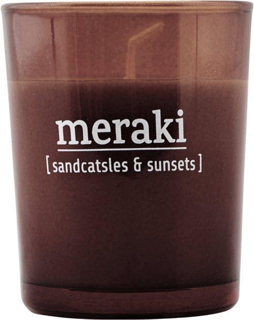 På billedet ser du variationen Duftlys, Sandcastles & Sunsets fra brandet Meraki i en størrelse Ø: 55 cm. H: 6,7 cm. i farven Brændt henna