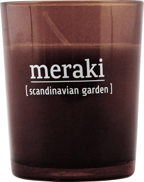 På billedet ser du variationen Duftlys, Scandinavian Garden fra brandet Meraki i en størrelse Ø: 55 cm. H: 6,7 cm. i farven Brændt henna