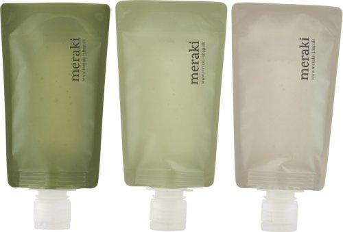 På billedet ser du variationen Rejsekit, sæt á 3 flasker fra brandet Meraki i en størrelse 3 STK, 98 ML. i farven Multi