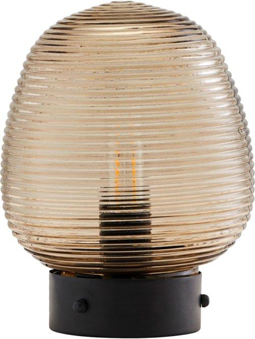 På billedet ser du variationen Lampe, Ghia fra brandet House Doctor i en størrelse Ø: 18,5 cm. H: 24 cm. i farven Brun