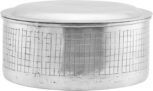 På billedet ser du variationen Opbevaring M. Låg, Noova fra brandet House Doctor i en størrelse Ø: 25 cm. H: 14 cm. i farven Sølv