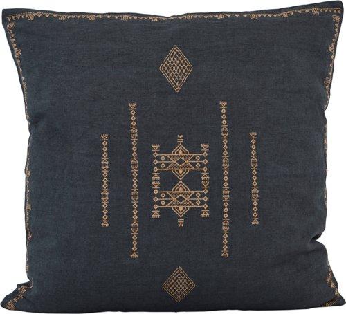 På billedet ser du variationen Pudebetræk, Inka fra brandet House Doctor i en størrelse B: 50 cm. L: 50 cm. i farven Mørkegrå
