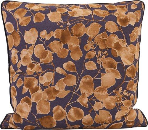 På billedet ser du variationen Pudebetræk, Leaf fra brandet House Doctor i en størrelse B: 50 cm. L: 50 cm. i farven Lilla/Guld