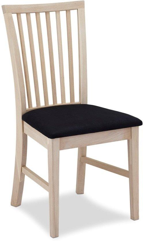 På billedet ser du et stemningsbillede (#5) fra Reeth, Spisebordsstol, Egetræ fra brandet Raymond & Hallmark i en størrelse H: 93 cm. B: 52 cm. i farven Sædebehandlet