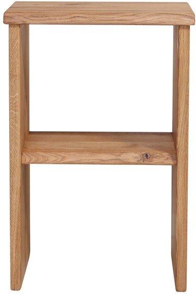 På billedet ser du variationen Mono, Sengebord, Egetræ fra brandet House of Sander i en størrelse H: 60 cm. B: 40 cm. L: 30 cm. i farven Natur