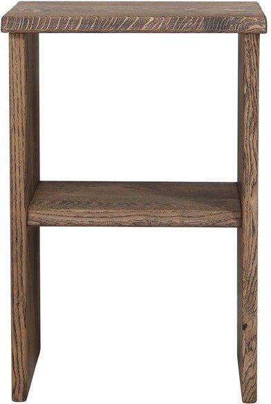 På billedet ser du variationen Mono, Sengebord, Egetræ fra brandet House of Sander i en størrelse H: 60 cm. B: 40 cm. L: 30 cm. i farven Mørk