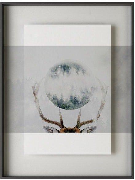 På billedet ser du variationen Simple art deer 2, Illustration m. ramme fra brandet House of Sander i en størrelse H: 3 cm. B: 60 cm. L: 90 cm. i farven Multifarvet