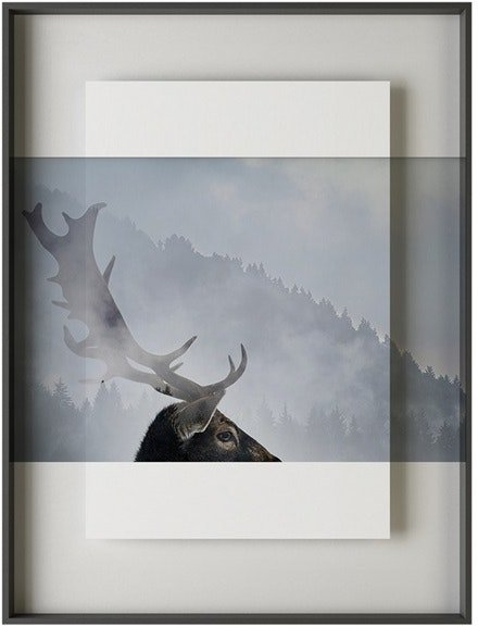 På billedet ser du variationen Simple art deer 3, Illustration m. ramme fra brandet House of Sander i en størrelse H: 3 cm. B: 60 cm. L: 90 cm. i farven Multifarvet