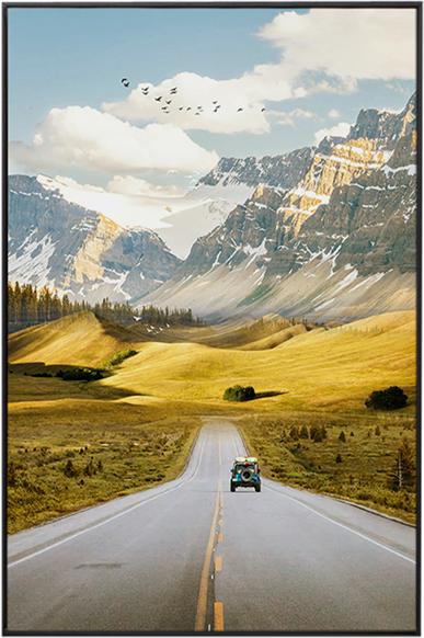 På billedet ser du Light Road, Illustration m. ramme fra brandet House of Sander i en størrelse H: 3 cm. B: 60 cm. L: 90 cm. i farven Multifarvet