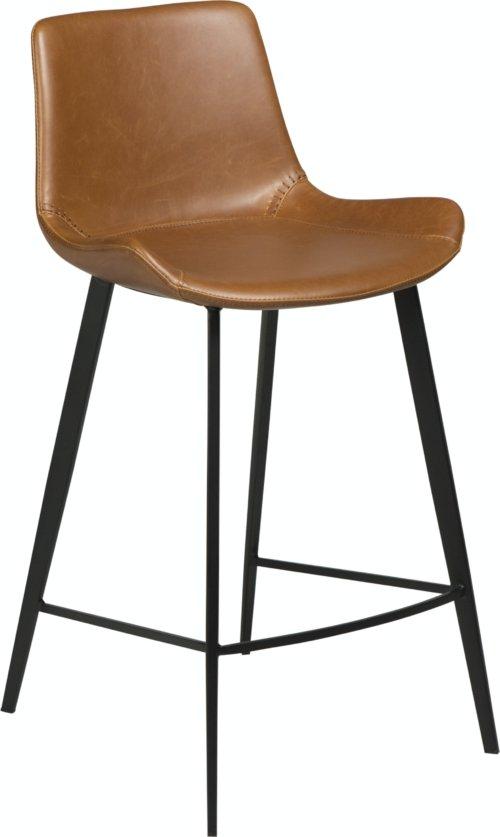 På billedet ser du variationen Hype, Barstol, Kunstlæder fra brandet DAN-FORM Denmark i en størrelse H: 91 cm. B: 49 cm. i farven Brun/Sort