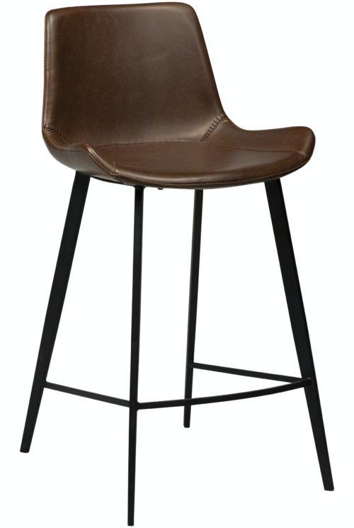 På billedet ser du variationen Hype, Barstol, Kunstlæder fra brandet DAN-FORM Denmark i en størrelse H: 91 cm. B: 49 cm. i farven Kakao/Sort
