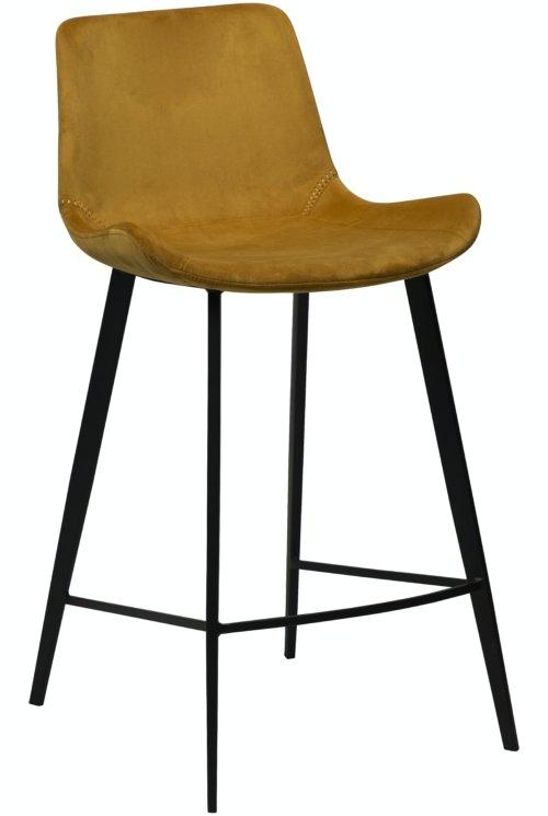 På billedet ser du variationen Hype, Barstol, Fløjl fra brandet DAN-FORM Denmark i en størrelse H: 91 cm. B: 49 cm. i farven Okker/Sort