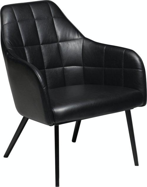 På billedet ser du variationen Embrace, Loungestol, Kunstlæder fra brandet DAN-FORM Denmark i en størrelse H: 83 cm. B: 68 cm. i farven Sort