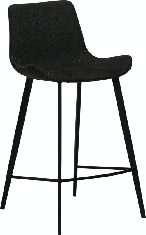 På billedet ser du variationen Hype, Barstol, Stof fra brandet DAN-FORM Denmark i en størrelse H: 91 cm. B: 49 cm. L: 52 cm. i farven Sort