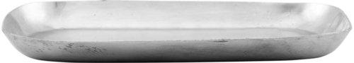 På billedet ser du variationen Bakke, Alu fra brandet Meraki i en størrelse H: 2,5 cm. B: 30 cm. L: 20 cm. i farven Sølv finish