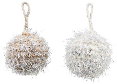 På billedet ser du variationen Julepynt, Puffie fra brandet House Doctor i en størrelse D: 5 cm. i farven Hvid