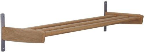 På billedet ser du variationen Meja, Væghængt skohylde, Træ fra brandet Oscarssons Möbel i en størrelse 1-plan i farven Olieret egetræ