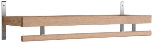 På billedet ser du variationen Nadja, Knagerække, Træ fra brandet Oscarssons Möbel i en størrelse L: 80 cm. i farven Lakeret egetræ