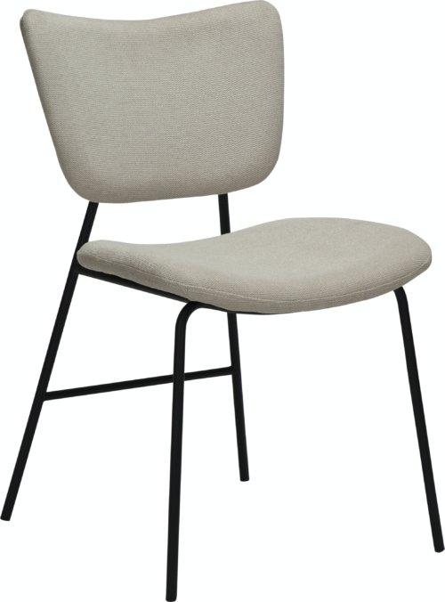 På billedet ser du variationen Thrill, Spisebordsstol, Stof fra brandet DAN-FORM Denmark i en størrelse H: 80 cm. B: 47 cm. L: 53 cm. i farven Hvid/beige