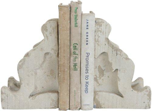 På billedet ser du variationen Collected, Bogstøtte, Polyresin fra brandet Creative Collection i en størrelse H: 13 cm. B: 10,2 cm. L: 20 cm. i farven Grå