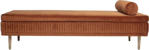 På billedet ser du variationen Cozy, Daybed, Krydsfiner fra brandet Bloomingville i en størrelse H: 46,5 cm. B: 80 cm. L: 190 cm. i farven Brun