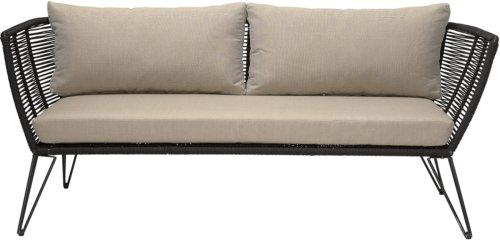 På billedet ser du variationen Mundo, Sofa til udendørsbrug, Frostsikker fra brandet Bloomingville i en størrelse H: 72 cm. B: 74 cm. L: 175 cm. i farven Sort