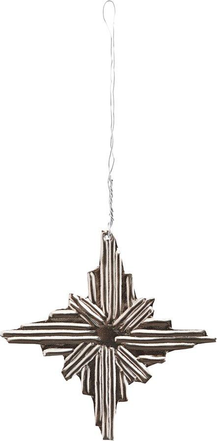 På billedet ser du variationen Ornament, Ray, Snowflake fra brandet House Doctor i en størrelse Ø: 8,5 cm. i farven Sølv