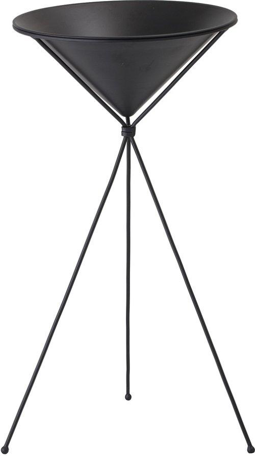 På billedet ser du variationen Urtepotteskjuler på stativ, Metal fra brandet Bloomingville i en størrelse D: 31 cm. H: 60 cm. i farven Sort