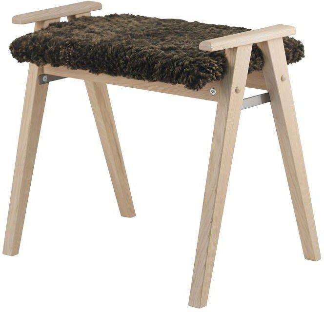 Alme, Skammel med fåreskind, Træ by Oscarssons Möbel (Ægte fåreskind brun, Hvidolieret egetræ)